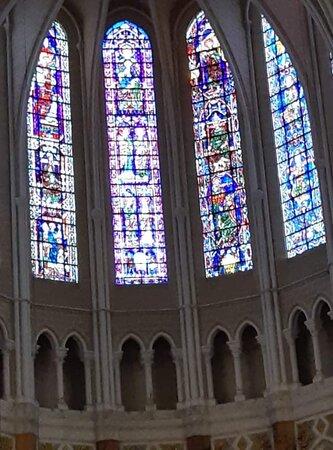 Cathédrale de Chartres, vitraux