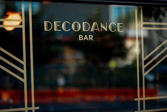 Decodance Bar