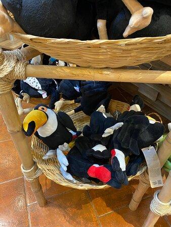 tucanos de pelúcia