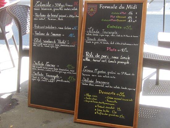 Café Brasserie Bar du Vieux Château. Vue 3. Tableaux des Menus. Août 2021. TOURS.
