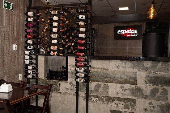 Nossa carta de vinhos é muito bem elaborada e acessível, vinhos de rótulos exclusivos.
