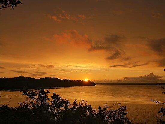 Un atardecer el dia sabado 21 de agosto desde el mirador, clima agradable.