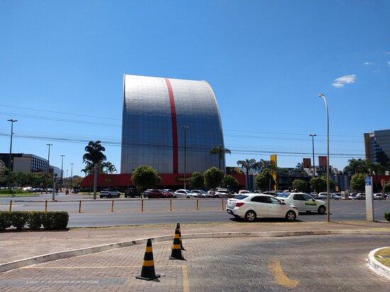 Combinou arquitetura moderna com paisagismo 👏👏👏