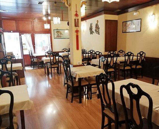 Interior del restaurante / Restaurant interior