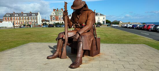 'TOMMY' WW1 steel sculpture by Ray Lonsdale, on the front in Seaham, Co. Durham