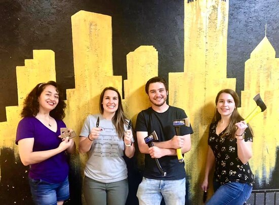 """1 Hour - Axe Throwing Session in Pennsylvania: First timers find their """"true"""" calling! 😉"""