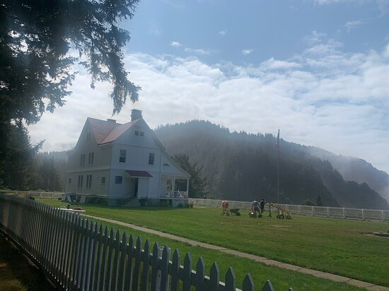 Lightkeeper's house and grounds