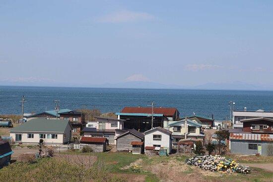 噴火湾の向こうには羊蹄山
