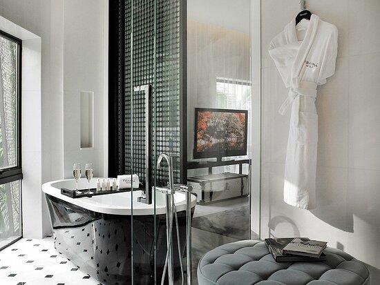 Gabrielle Camillia Bathroom
