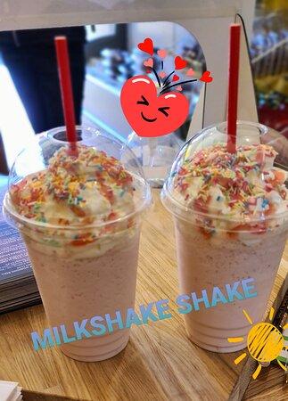 Milkshakes for everyone...Regular or Vegan. Wow.