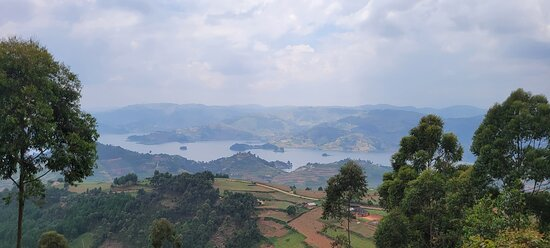 8 Day Uganda - Gorilas de Ruanda y Safari de caza mayor: Lake Bunyonyi