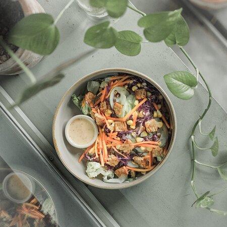 classic salad bowl