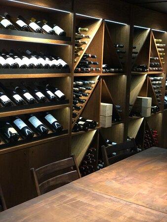 cave à vin - rooftop - restaurant français - tour eiffel - télétravail - terrasse - parisian restaurant - street food - food court - french (130)