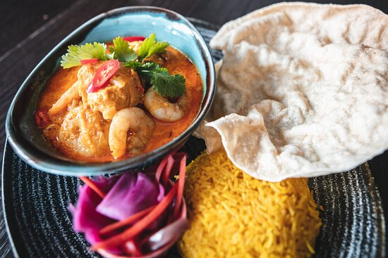 Creamy Chicken and Prawn Curry