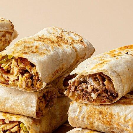 Exclusively for shawarma lovers?! Shawarma Saj #alkalhaqatar #shawarma #shawarmalovers #saj #sajbread