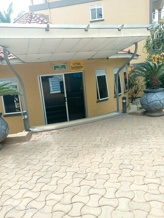 Arua, أوغندا: Desert Breeze is a Hotel that you can carry out all sorts of occasions good for family outings too and It's 8 hours drive from Kampala up north western Uganda on the boarder with Congo and the staff is welcoming and hospitable.
