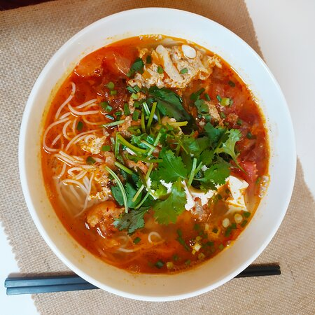 Soupe Bun Rieu au Tofu et Crabe