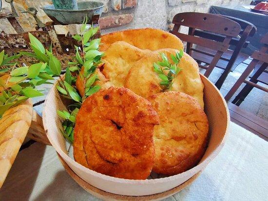 Παραδοσιακές Ροδίτικες Γεύσεις  - Traditional Rhodian Taste