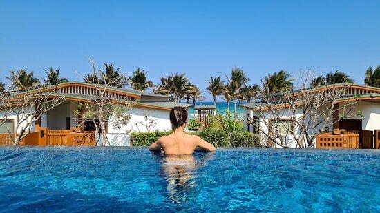 Bể bơi của Villa