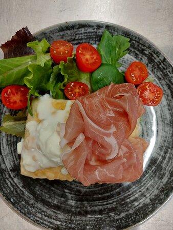 Gnocco fritto con Crudo di Parma