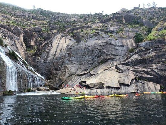 Excursion to Finisterre + Costa da Morte (7 stops): Cascadas de Ezaro