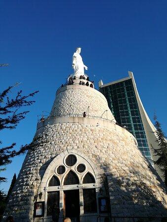 Ricordo di un viaggio:libano,la chiesa e la statua di Nostra Signora del Libano ad Harissa 2017