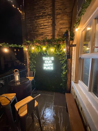 Holmfirth, UK: Outdoor seating