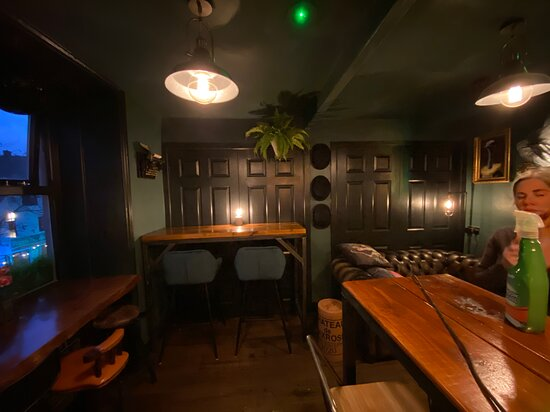 Holmfirth, UK: Upstairs seating
