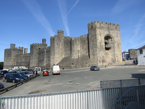 panorama of the castle from the old rail sidings