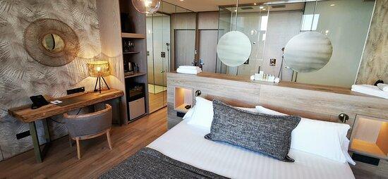 Pasillo zona suites  - Εικόνα του Tropical Beach Boutique Hotel, Gava - Tripadvisor