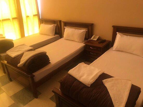 M'sila, Algerien: فندق برينيس يقدم لكم خدمات الاقامة و الاطعام وكذالك صالة لأعراسكم وحفلاتكم و اجتماعاتكم مع توفير موقف السيارات و خدمة الغرف و الويفي المجاني