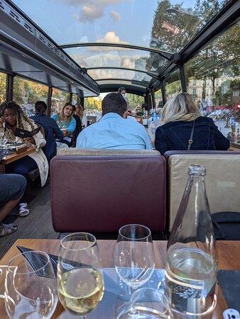 Luxury Paris Bus Dining Experience 사진
