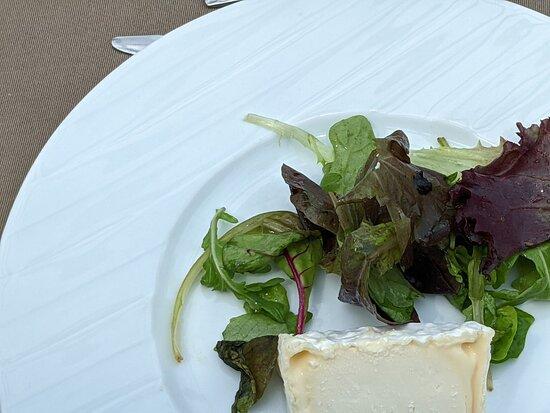 Bateaux Parisiens Seine River Gourmet Dinner & Sightseeing Cruise: cheese