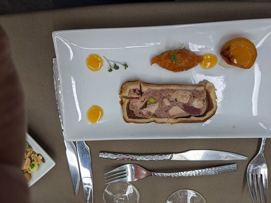 Bateaux Parisiens Seine River Gourmet Dinner & Sightseeing Cruise: fois gras