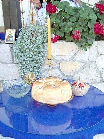 Holly bread at the DIVCIBARE church.f