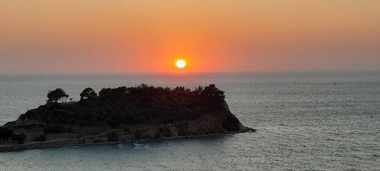 Atardecer en Kusadasi, mar Egeo