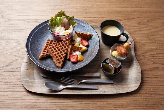 Breakfast - MOXY Waffle Set