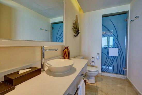 Chairman's Suite - Bathroom