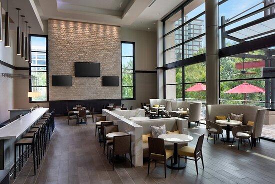 Lenox Road Bar & Grill