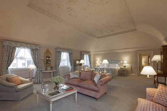 Speciality Suite, Main House