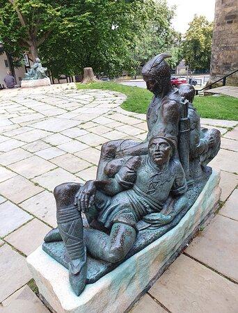 Statue's around Nottingham Castle