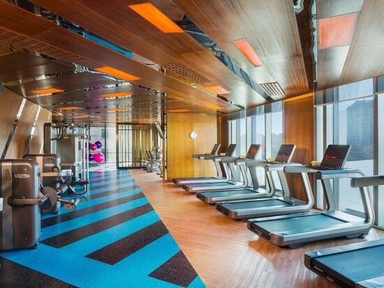 索菲特大酒店游泳健身