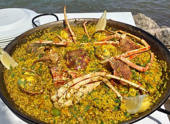 Paella de langosta (bajo reserva)
