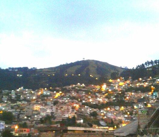 Vista hacia las montañas la Cordillera de los Andes