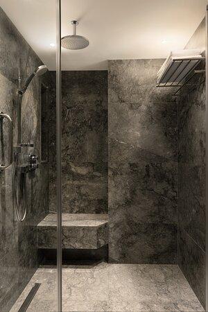 Izmir Marriott Bathroom