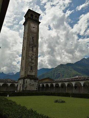 Il campanile della Collegiata.