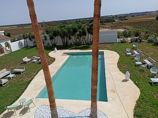 Chill out con piscina!! Ven a comer, cenar, beber y disfruta de un increíble día de piscina