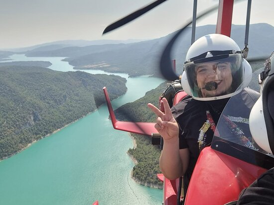 """קוסקוחואלה דה סוברארבה, ספרד: Con  """"GIROLIBRE"""" , COSCOJUELA DEL SOBRARBE (HUESCA), hemos vivido una experiencia inolvidable volando en Autogiro sobre AINSA con el mejor piloto de ESPAÑA (Rafael Garcia). Experiencia absolutamente recomendable."""