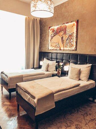 comfort room, twin beds