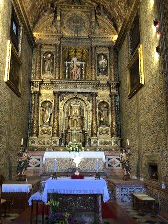 Magnificent internal decor;